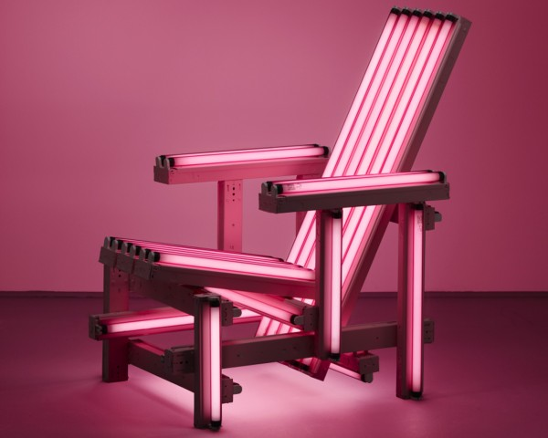 pink-electric-chair-ivan-navarro-600x480