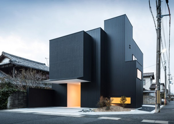 Japanese family home by FORM/Kouichi Kimura Architects